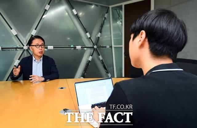 지난달 30일 아산정책연구원에서 더팩트와 인터뷰하는 박 교수. /이동률 기자