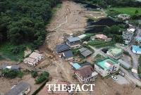 [TF사진관] 폭우로 인한 산사태, '토사로 뒤덮힌 안성 죽산면'