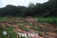 [TF포토] 폭우와 산사태로 피해입은 농작물