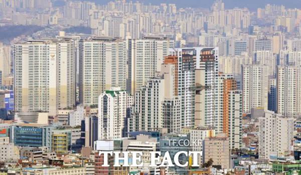 정부가 서울 용산의 캠프킴 부지에 3100가구를 짓기로 했다. /더팩트 DB