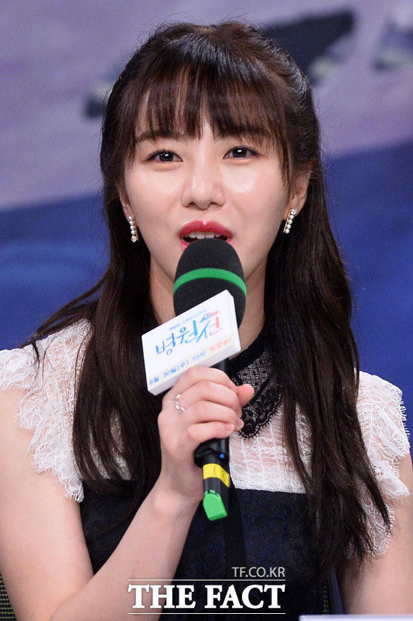 AOA 권민아는 전 소속사 FNC엔터테인먼트와 지민에 진심 어린 사과 한마디가 그렇게 어려웠던 거냐고 재차 비난했다. /더팩트 DB