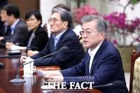 '부동산 논란' 靑 고위 참모 집단 사의 표명…文 '결단' 주목
