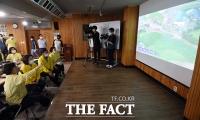 [TF포토] 안성지역 피해 상황 살펴보는 심상정 대표