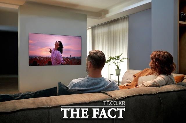 LG전자의 2020년형 LG 올레드 TV가 스페인과 프랑스, 네덜란드, 영국, 스웨덴, 체코, 이탈리아 등 유럽 7개국 소비자매체 TV 성능평가에서 잇달아 최고 평가를 받으며 경쟁력을 입증했다. /LG전자 제공