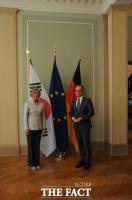 강경화 만난 독일 외교장관