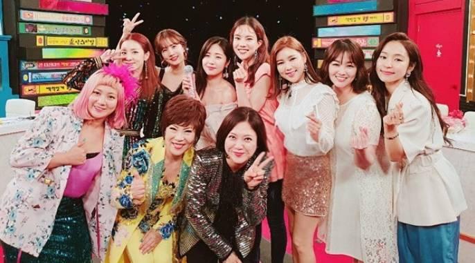 요즘 방송가는 '미스, 미스터 트롯' 멤버가 등장하지 않으면 시청률을 기대할 수 없다고 할 만큼 트로트가 대세로 자리잡고 있다. 사진은 지난해 '미스트롯' 멤버들이 MBC every1 '비디오스타'에 출연할 당시. /MBC every1 '비디오스타'