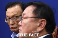 [TF이슈] 지지율 고공행진 민주당, '부동산·성추문'에 역주행