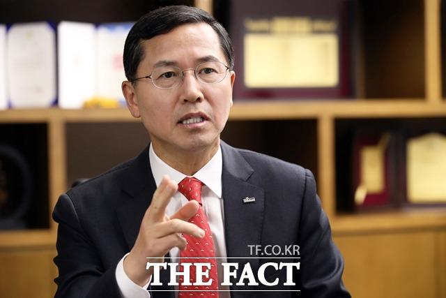 임영진 신한카드 사장이 올해 상반기 5억4700만 원의 보수를 수령했다. /신한카드 제공