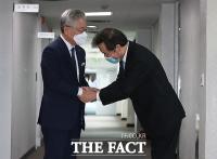 이재명 19% vs 이낙연 17%…대선주자 선호도 첫 '역전'