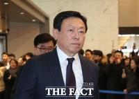 신동빈 롯데 회장, 상반기 보수 63억…'전격 퇴진' 황각규 부회장 6억