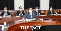 [TF사진관] 국가정보원 업무보고 나선 박지원