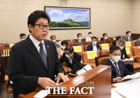 [TF사진관] 홍수피해 현안 논의하는 환경노동위원회