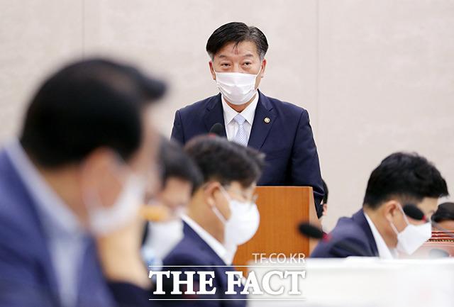 결산보고하는 김홍희 해양경찰청장
