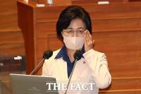 [TF사진관] 정청래 의원 질의에 답변하는 추미애 장관