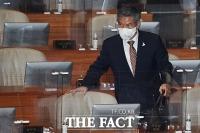 [TF포토] 대정부질문 참석한 정경두 장관