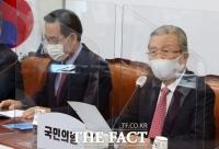 文 향한 화살…김종인