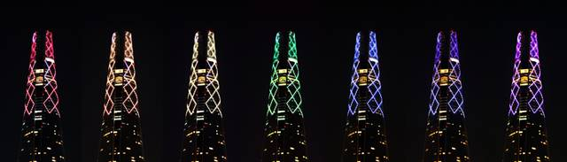 롯데월드타워는 건물 외벽과 크라운에 9월부터 두 달간 무지개 색상을 순차적으로 연출한다. /롯데물산 제공