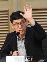 유시민 '계몽군주' 발언에 진중권