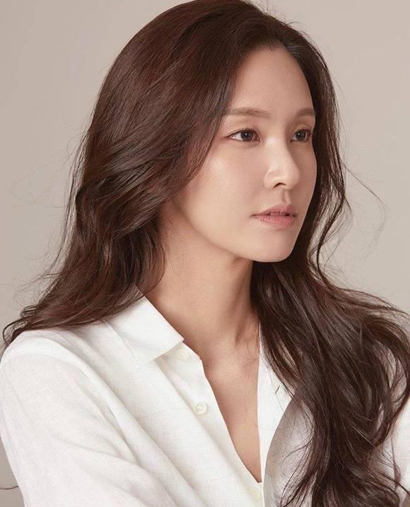 모델 겸 배우 황소희가 SBS 미운 우리 새끼에 출연해 누리꾼들의 관심을 한 몸에 받고 있다. /황소희 SNS