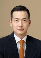한화 3세 경영 본격화…장남 김동관, 한화솔루션 대표이사로