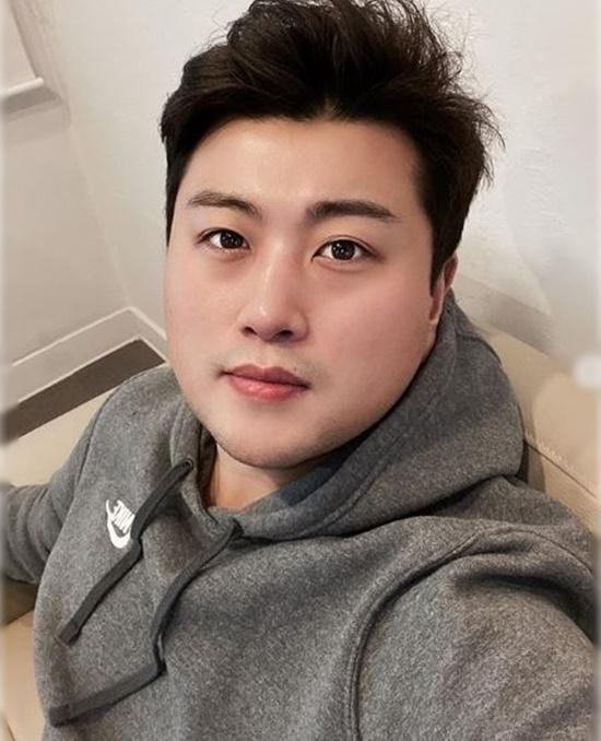 김호중의 매력은 트바로티 이미지의 완벽한 차별. 김호중은 트로트 오디션프로그램 미스터 트롯을 통해 이전까지 누구도 예상하지 못했던 대중적 팬심을 이끌어냈다. /김호중 인스타그램