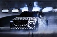 GV70에 부착된 QR코드 '눈길'…車업계 위장술의 진화