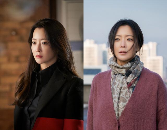 김희선이 앨리스로 다시 존재감을 과시 중이다. 그는 천재 물리학자 윤태이(왼쪽)와 시간여행자 박선영이라는 두 캐릭터를 맡았다. /SBS 제공