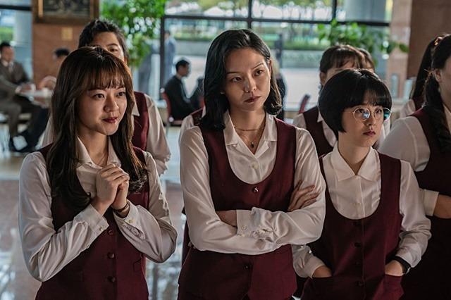 고아성은 이솜 박혜수(왼쪽부터)와 영화의 주인공으로서 연기 호흡을 맞췄다. /롯데엔터테인먼트 제공