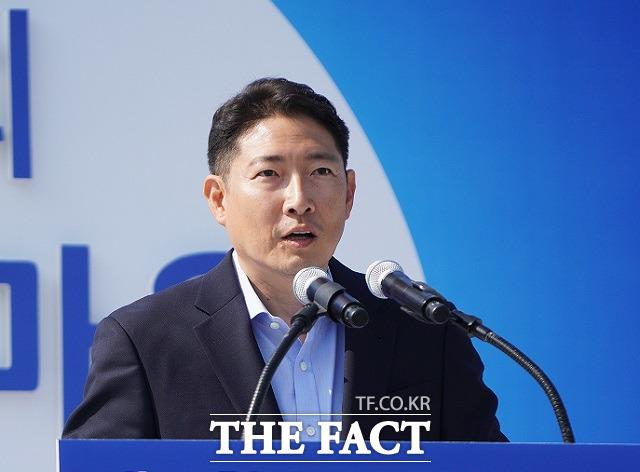 효성티앤씨㈜, 효성첨단소재㈜, 효성화학㈜ 등 효성 3개사가 한국기업지배구조원이 발표한 2020년 상장기업 환경·사회·지배구조 평가에서 A+ 등급을 받았다. 사진은 조현준 효성그룹 회장. /효성 제공