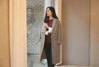 한지민, 감성캐주얼 화보 공개…'팔색조 매력' 발산
