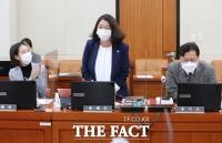 [TF포토] 임신 축하받는 용혜인 의원