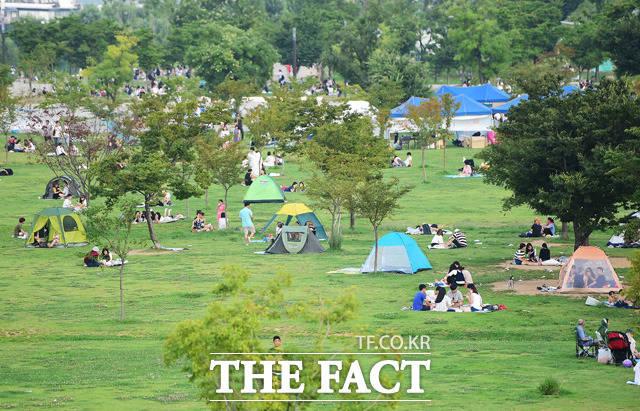 큐텐은 19일 7~9월 캠핑 카테고리 거래량이 전년 동기 대비 479% 늘어났다고 밝혔다. /배정한 기자
