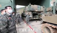 [TF포토] 연평도 현장시찰 나선 민홍철 국방위원장