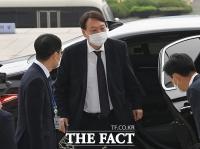 [TF사진관] 국회 도착한 윤석열 검찰총장