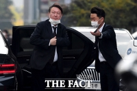 [TF포착] '국감서 작심발언' 윤석열, 한숨 돌리는 점심식사