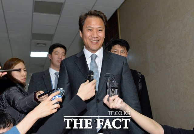임종석 전 대통령 비서실장은 16대 국회 최연소 국회의원으로, 현재는 여권 잠룡으로 성장했다. /더팩트 DB