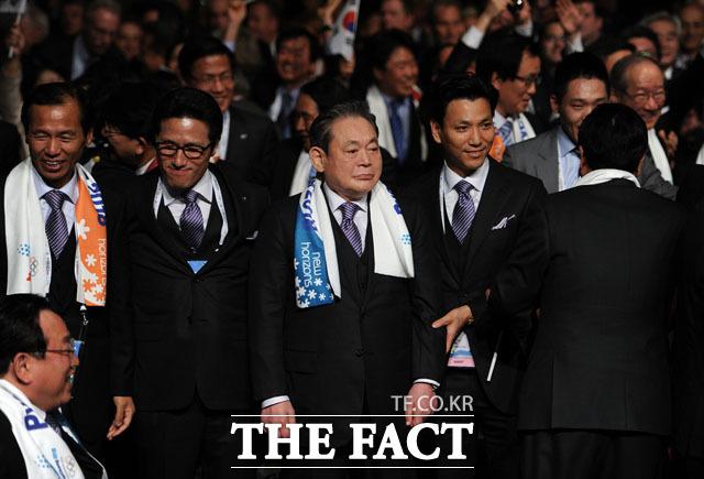 2011년 평창 동계올림픽 유치에 성공한 이건희 회장. 이건희 회장은 IOC 위원으로 평창올림픽 유치를 위한 대외 활동에 활발한 모습을 보였다. /삼성전자 제공