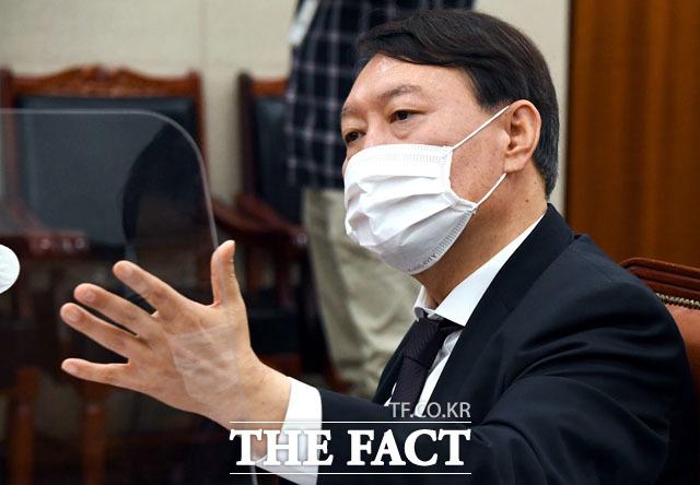 윤석열, 검찰총장은 법무부 장관의 부하가 아니다!