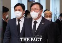 [TF사진관] 이건희 회장 빈소 조문 마친 김태년-김영진