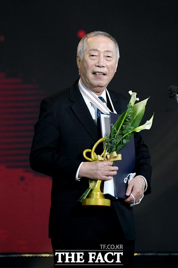 문화훈장 받은 배우 변희봉