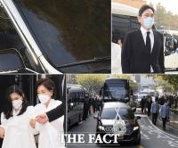 [TF사진관] 고 이건희 삼성 회장 발인…'이재용·이부진 등 유족과 마지막 인사'