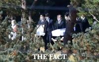 [TF포토] 수원 장지에 도착한 고 이건희 회장