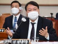 '퇴임 후 국민 봉사' 윤석열 발언에 들썩이는 정치권