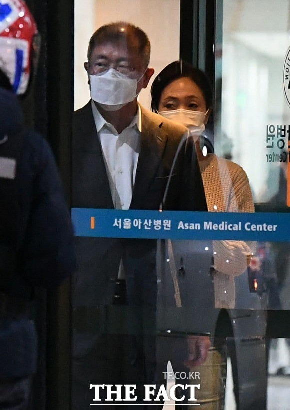 [단독] 文대통령 만난 정의선, 하루 700㎞ 강행군 속 아버지 병..