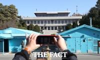 [TF사진관] '판문점에서 사진 찍고, 도보다리에서 산책' 판문점 견학 재개