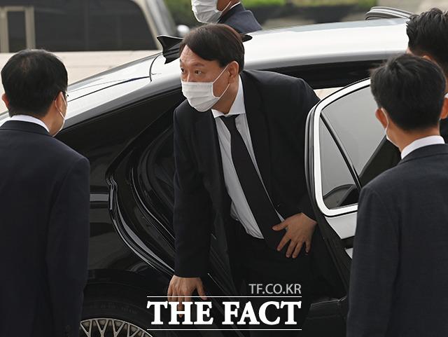 지난달 22일 대검찰청 국정감사에 참석한 윤석열 검찰총장.