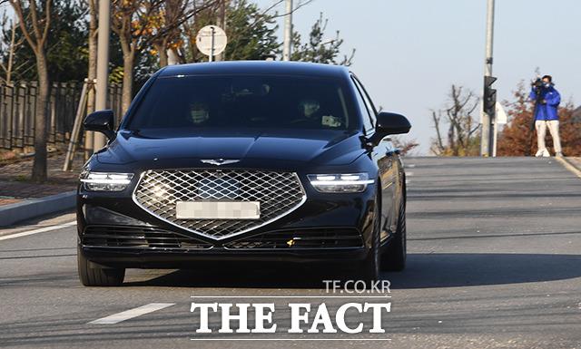지난 3일 충북 진천 법무연수원을 찾은 윤 총장의 차량.