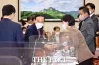 [TF사진관] 국감서 모습 감췄던 박덕흠… '다시 국회로'