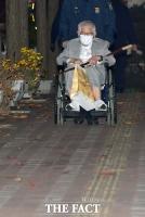 [TF사진관] 법원, 보석신청 허가…'휠체어에 의지한 이만희'