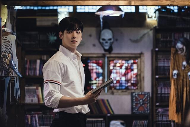 차은우가 여신강림의 남자 주인공 이수호로 시청자들을 만난다. 제작진과의 인터뷰에서 그는 학생 차은우라는 새로운 모습을 보여드릴 것이라며 각오를 다졌다. /tvN 제공